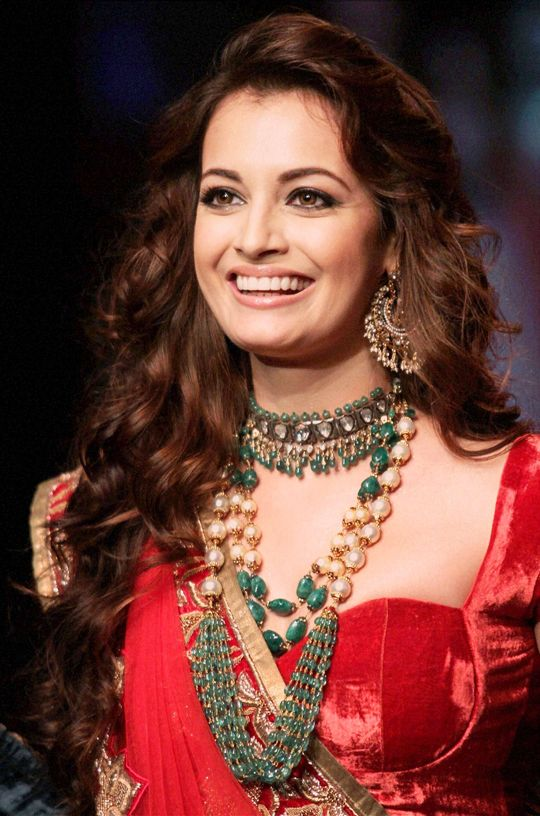 Dia Mirza: And we are under her spell #Bollywood #Fashion #Style