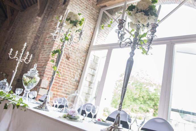 Décoration baroque. Table d'honneur avec chandeliers de 100cm en location chez D DAY DECO.