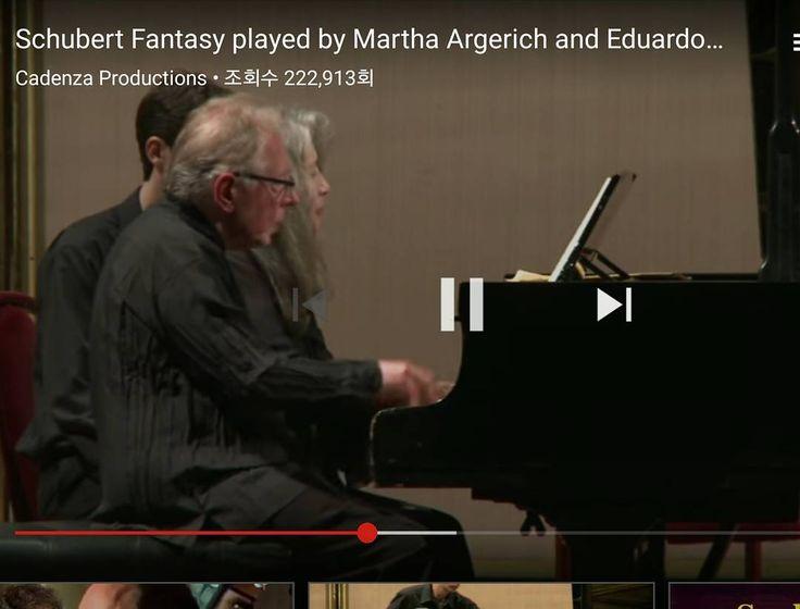 #... 슈베르트 네손을 위한 피아노환상곡 F단조. 마르타 아르헤리치, 에두아르도 델가도 피아노. #오늘의 음악 #Schubert #Fantasy #Martha Argerich #Eduardo Delgado #갓포산 #청담 #청담맛집 http://misstagram.com/ipost/1550346628970545495/?code=BWD8AuCg4FX