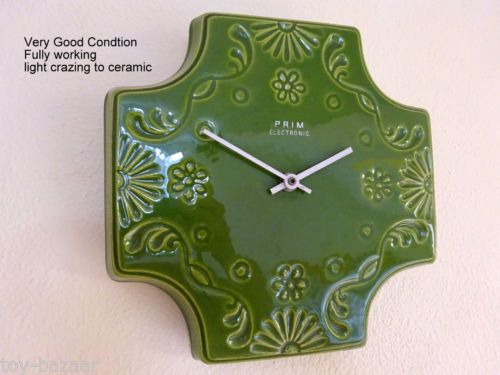 VINTAGE-OLD-CZECHOSLOVAKIA-PRIM-ELECTRIC-WALL-CLOCK-VERY-RARE-SHAPE-AND-DESIGN