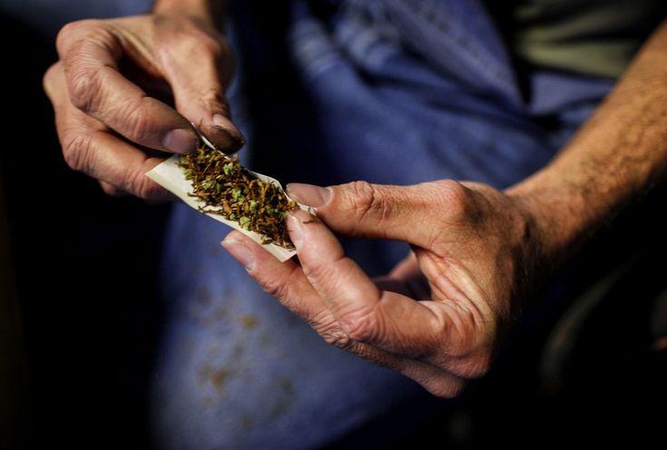 La guerra contra las drogas lleva 100 años y su figura más importante es Harry Anslinger, quien le dio el nombre genérico de marihuana a la cannabis para denotar una connotación racista. A finales del año pasado entrevistamos a Johann Hari, periodista inglés que ha dedicado su carrera a investigar sobre los efectos de las …