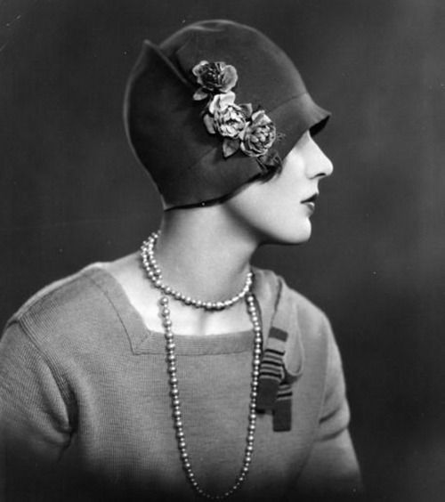 1920s flappers Published: tue, 06 jun 2017 arguably, the flappers of the 1920s were kind of a beginning of another change in the life of women there was a surplus of women in britain this was caused by the loss of many men to the war.