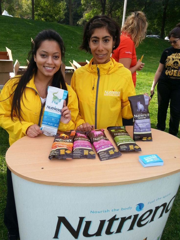Our street team handed out #Nutrience cat and dog food samples!