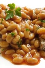 TUSCAN NAVY BEANS RECIPE:  We follow the GAPS diet, and this is another delicious staple in our house.  (MARIA RICKERT HONG NUTRITIONAL HEALING, www.MariaRickertHong.com)