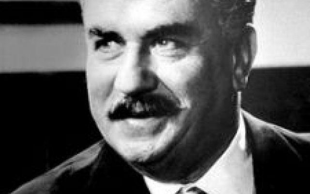 Chi se lo ricorda il mitico attore Gino Cervi? Il giorno 3 gennaio dell'anno 1974 se ne andava il mitico Gino Cervi. Prestò la voce come doppiatore a Laurence Olivier nei film shakespeariani, fu un grande Otello sulle scene, ma soprattutto inter #omaggio #ginocervi #necrologi #morte