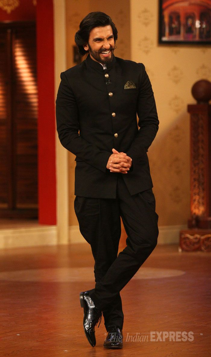 Ranveer Singh was dashing in a full black Jodhpuri suit during promotional run for the upcoming movie Ram-Leela. #Bollywood #Fashion #Style #Beauty