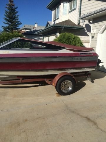 1989 maxum 1700 sr bowrider (17 ft.) in great condition. mercruiser 3.0 135 hp inboard engine. serviced and winterized every fall (fogged engine, oil change and coolant flushed) before winter storage and ready for spring launching (have receipts to show). great for pulling skiers/wakeboarders and tubers. has original snap down covers (seams were professionally re-sown 2 seasons
