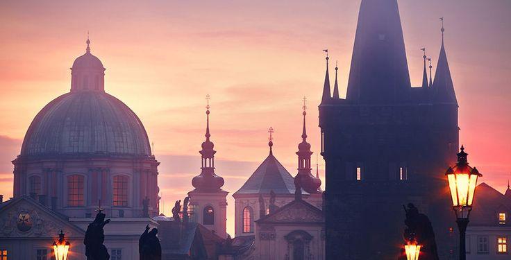 Du möchtest dem Alltag entfliehen und ein spannendes Reiseziel erkunden? Dann auf nach Prag!  Mit Voyage Privé verbringst du 2 bis 5 Nächte im 4-Sterne Golden Key Boutique-Hotel. Im Preis ab 205.- sind das Frühstück und der Flug inbegriffen.  Hier geht es zum Ferien Deal: https://www.ich-brauche-ferien.ch/ferien-deal-citytrip-nach-prag-mit-flug-und-hotel-fuer-nur-205/