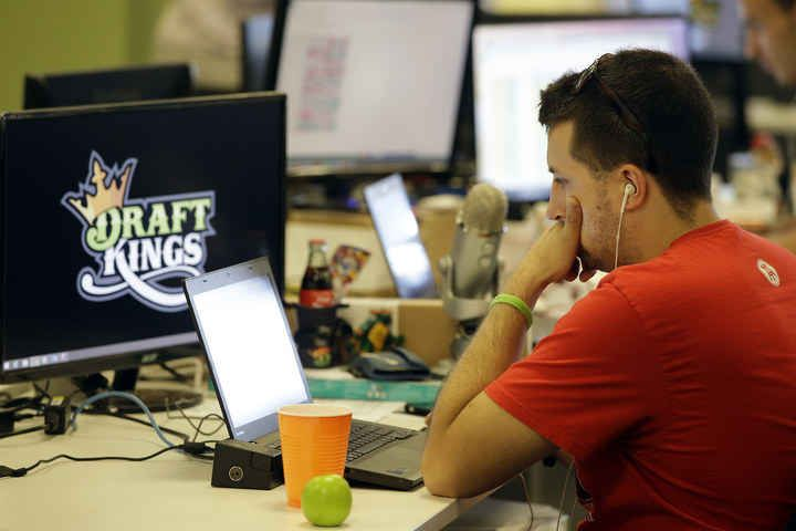 FBI, Justice Department Investigating Daily Fantasy Sports Sites - BuzzFeed News