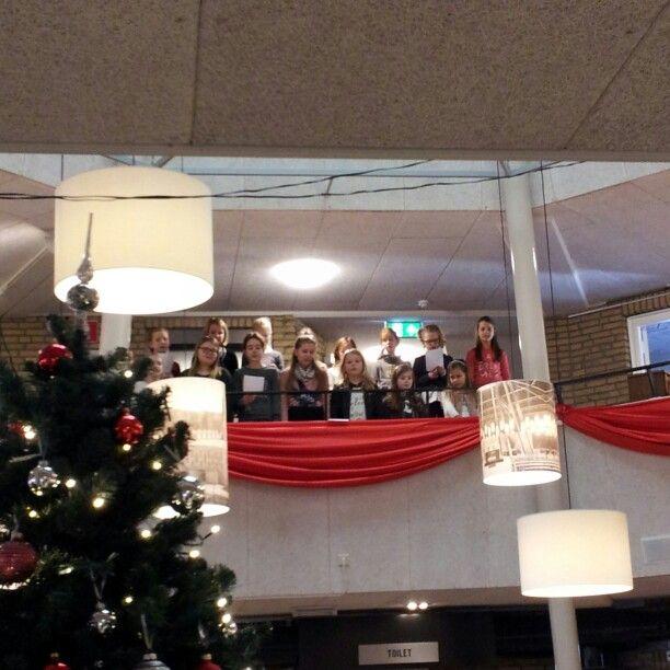 Driekoningen activiteitenmiddag in 't Sant Kinderkoor zingt #tilburg
