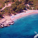 Ένας μοναδικός εναλλακτικός χώρος κοντά στην Αττική που προσφέρεται για εκδηλώσεις. Το Vrelos beach  μπορεί να συνδυάσει την εκδήλωση που θέλετε να οργανώσετε, με τις καλοκαιρινές σας διακοπές. Περισσότερες πληροφορίες: http://aegeancatering.gr