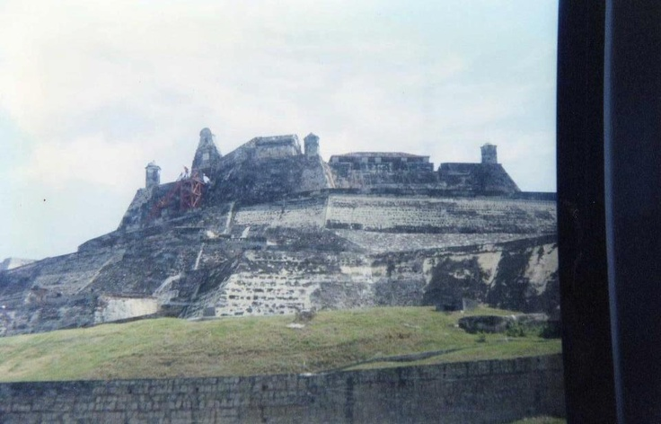 llagando al castillo San Felipe