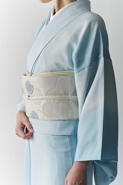 お洒落な普段着物、東京 六本木の帯,きものブランド awai 週末のお洒落着物/コーディネート   美人の着物