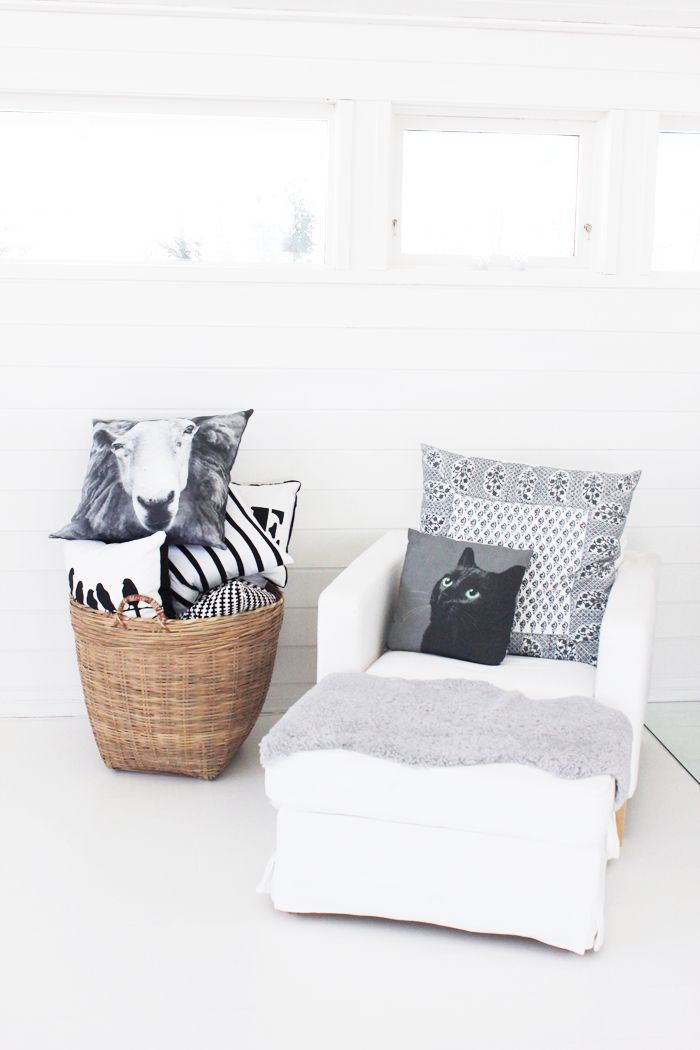 Best 25 cosy corner ideas on pinterest cozy reading for Kitty corner bed ideas