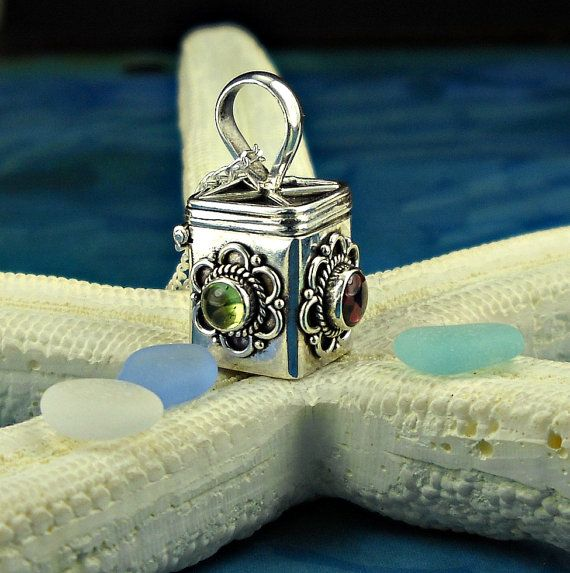 Hey, I found this really awesome Etsy listing at https://www.etsy.com/listing/98068005/sterling-silver-prayer-box-necklace