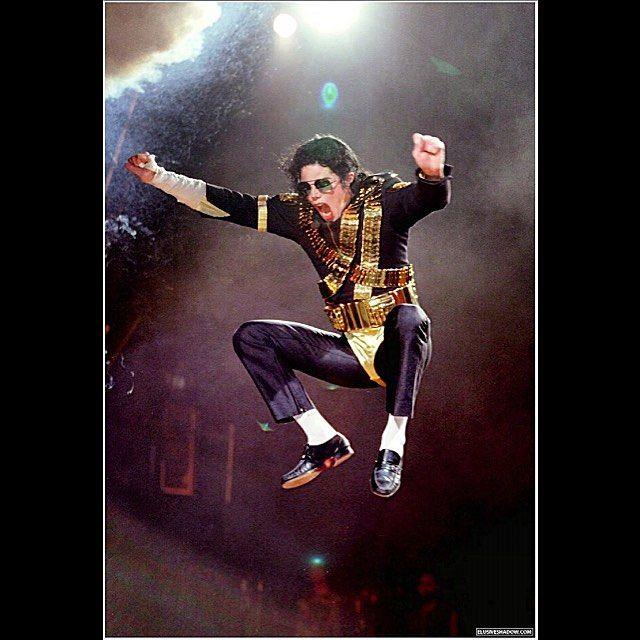 #followme #fotograf #fotografer #fotoprocessor #fotoprocessorproduction #mj #michaeljackson #jam #concert #live #legend #jump