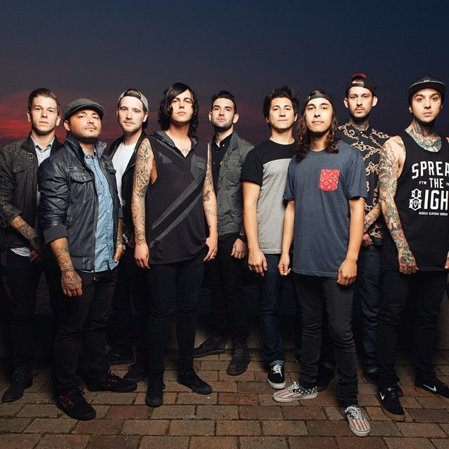 Sleeping With Sirens, Pierce The Veil. Perfection.