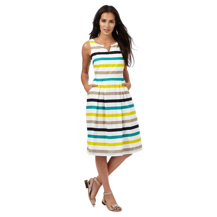 This dress from Maine is perfect for creating pretty daytime looks. In a colourful classic striped print, this contemporary piece features a pretty pleated skirt for feminine appeal and has been designed with a notch neckline. Team with a pair of mid heeled sandals for an effortlessly chic weekend outfit.