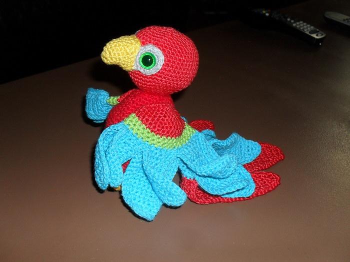 A crochet parrot