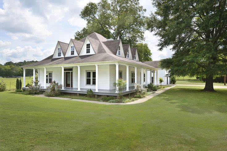 This house for sale in Anderson, Alabama is the farmhouse you've been looking for.