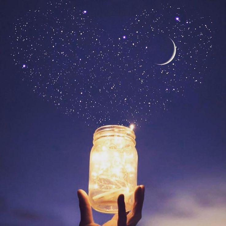 buen dia!  La semana que empezo tiene aspectos muy importantes.  Se los  comparto para que puedan aprovechar al máximo esta energía! La semana que empieza será una de renovación: tenemos una Nueva (nuevo ciclo emocional) en Sagitario  en el centro galáctico (energía de potencial) y #Saturno se va de ese signo terminando un ciclo de 3 años. -  El centro galáctico es considerado el utero del universo un hoyo negro de donde se creó el universo el vortex del potencial. La #LunaNueva en Sagitario…