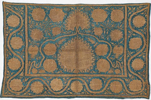 Wrapping cloth, Ottoman, late 17th century, 122 x 112 cm   Sadberk Hanım Museum