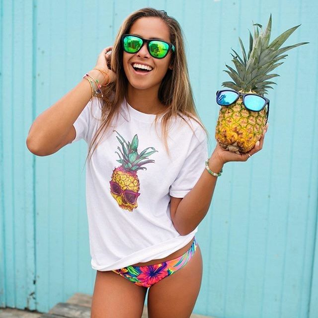 Tropical Pardise! I love my new beach wear. Get this look @lookinggoodproducts #... 11