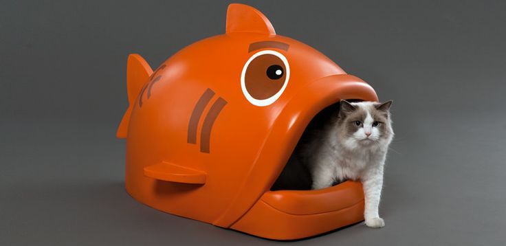 {Litterfish} by IOVO Designs - I LOL'd when I saw this! my cats would be terrified :P