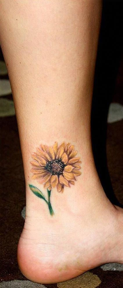 minimalist sunflower tattoo #BodyartIdeas Sunflower tattoo,  #blacktattooankle #BodyartIdeas ... in 2020 | Sunflower tattoo, Sunflower tattoos, Tattoos