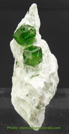 Garnet ~ Demantoid ~ Mineral Canada. Size: 3.1 x 1.4 x 2 cm. Origin: Jeffrey Quarry, Asbestos, Québec, Canada (Page displays garnet varieties incl. color change)  Photo © www.fabreminerals.com / Mineral Friends <3