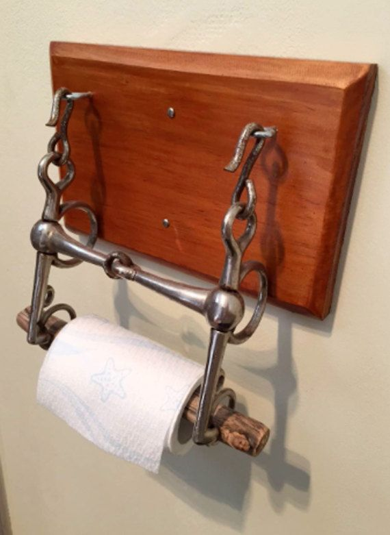 Equestrian Home Decor-A cheval Bit support de papier hygiénique. Upcycled fabriqué à partir un peu authentique. Livré avec monture en bois et