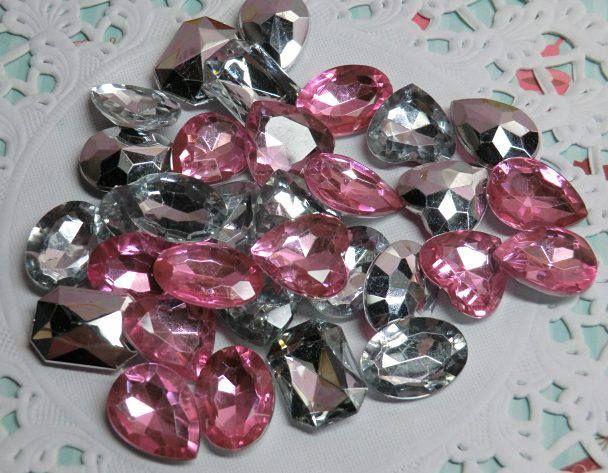Imitación de diamantes-Contenido 30 piezas. Color:clear y rosa