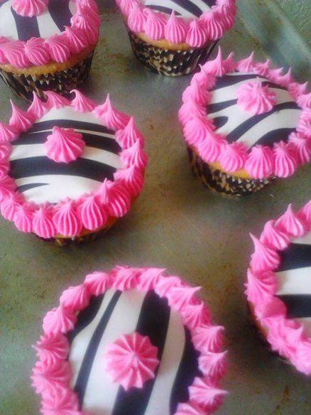 Zebra print cupcakes ~This is so Memphis
