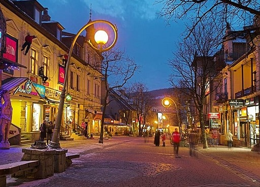 so much charm in the curly lightposts and the shops along the cobble // Zakopane, Poland