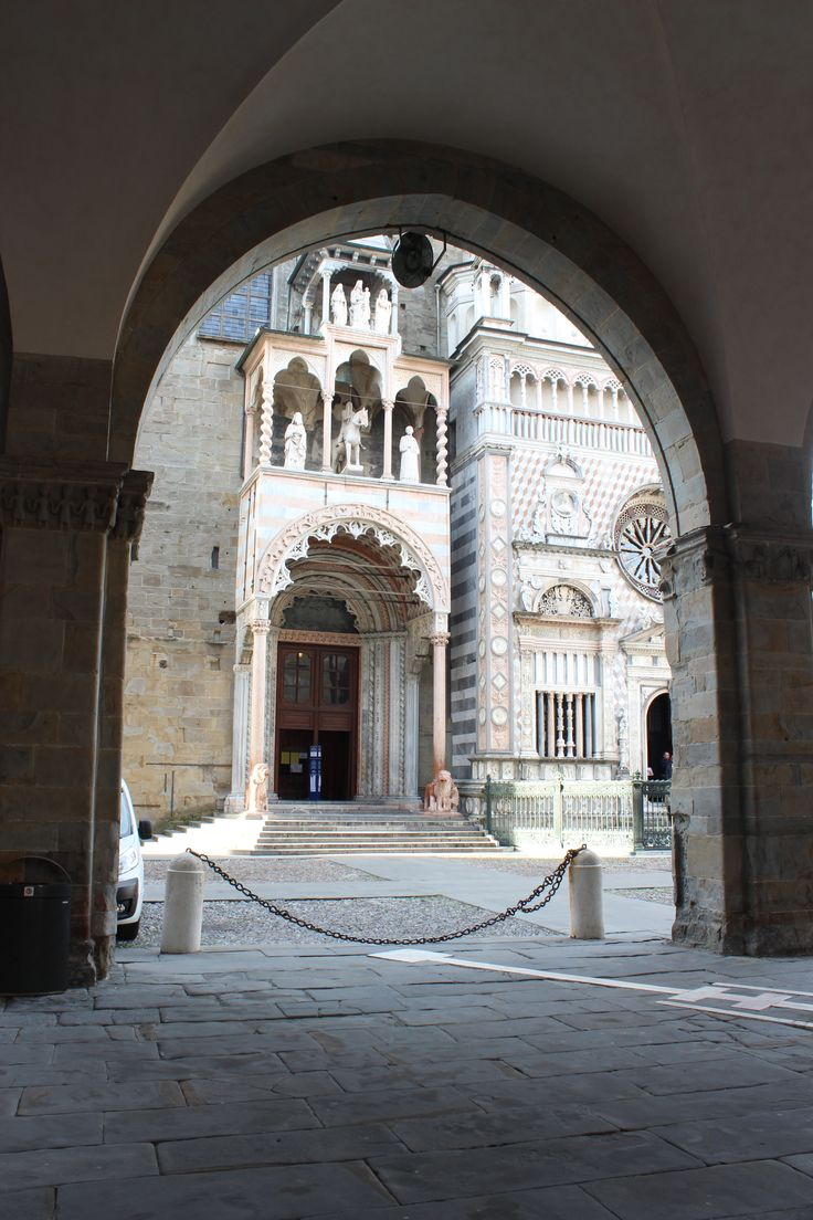 Cappella Colleoni, Città Alta, Bergamo, Italy - photo by archiLAURA