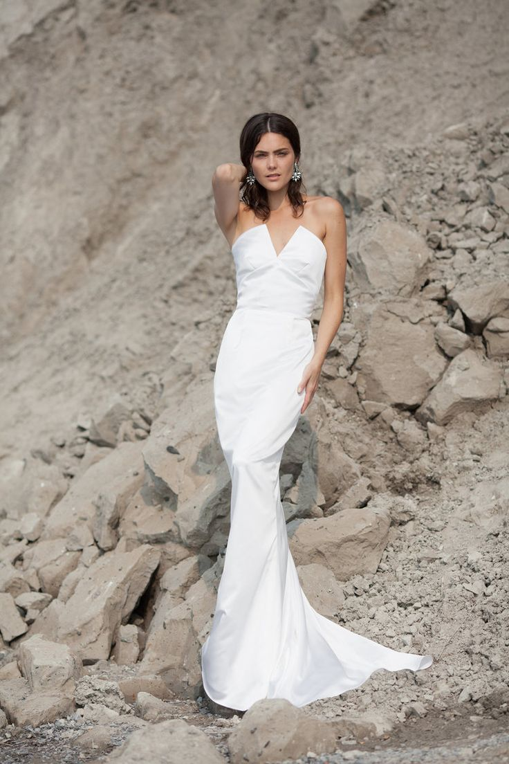 Minimalist bride// The CELINE by & FOR LOVE www.andforlove.com