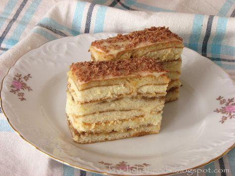 Przepis na to ciasto dostałam od znajomej. W większości go zmodyfikowałam. Ciasto wyszło niesamowicie puszyste. Na pewno jest to zasługa...