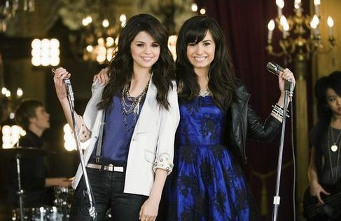 selena gomez princess protection program movie photos | Selena Gomez And Demi Lovato Princess Protection Program Music Video