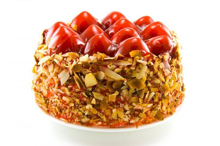 Ostekake mandelflak og jordbærtopping  http://kakene.no