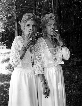 Mary Ellen Mark, Sue Gallo Baugher and Faye Gallo 'Smoking Twins', Twinsburg, Ohio, USA, 1998