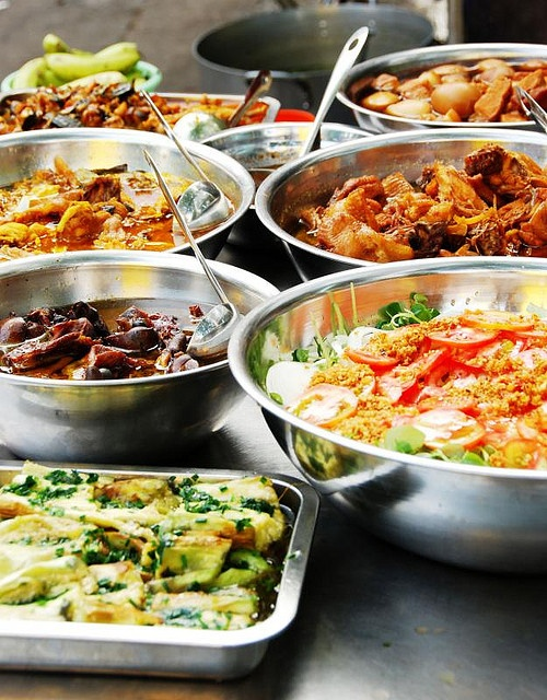Street food in Ho Chi Minh City, Vietnam by Melinda ^..^, via Flickr