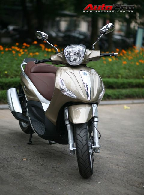 Piaggio Beverly 125 i.e - Đối thủ của Honda SH tại Việt Nam | Autopro.com.vn