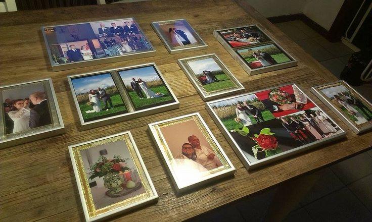 """Starten på projekt """"billeder fra vores bryllup"""". Nu er de kommet i rammer, så skal de bare op og hænge. Overvejer lidt ekstra pynt på nogle af rammerne - må en tur ud og handle, og se om jeg finder noget spændende... Fortsættes..."""