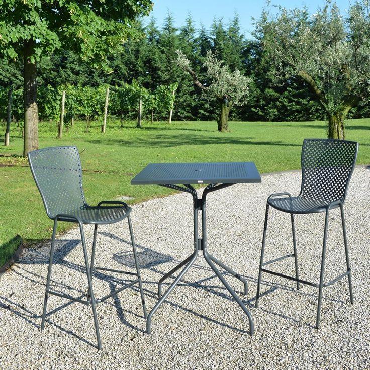 Sgabello in ferro e metallo da giardino - Vendita Online
