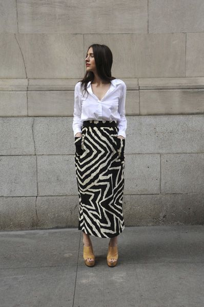 printed skirt + white button-upFashion, Summer Style, Nirvana Buttons, White Shirts, Street Style, Long Skirts, Prints Skirts, White Buttons Up, Maxis Skirts