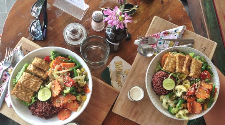 La Luna Rose Blog - Beatlenut Cafe, Canggu Bali #bali #canggu #balibesteats #cafe #balilove #beatlenut