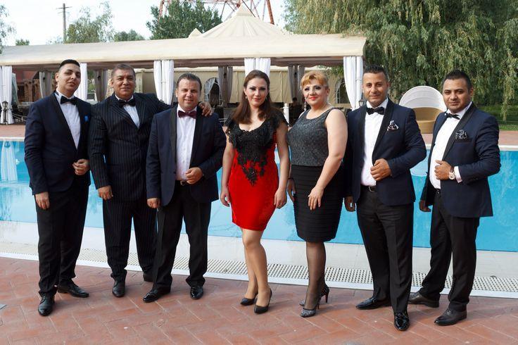 Andrei Racu Band, formatie nunta Bucuresti, sonorizari evenimente. Solisti muzica usoara, populara, de tineret si de petrecere. DJ si schela de lumini.