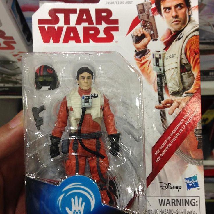 Figuras de Episodio 8 Los Últimos Jedis en una tienda  Follow / Sigan : @photoygraphy507  #darthvader #theforceawakens #stormtrooper #disney #jedi #sith #love #lego #starwarsfan #yoda #art #r2d2 #marvel #hansolo #bobafett #lukeskywalker #geek #forcefriday #cosplay #darkside #chewbacca #nerd #lightsaber #toys #theforce #instagood #kyloren #episode8 #c3po #thelastjedi