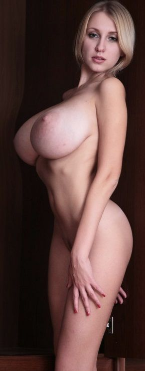 sexy bikini babes exposing