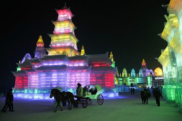 Foto delle sculture di ghiaccio all'Harbin Ice Festival n.14